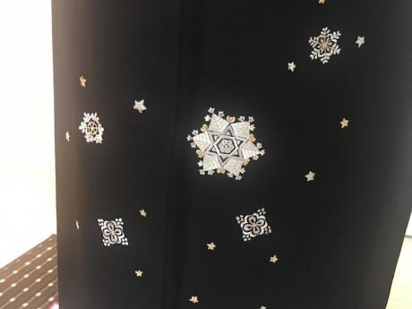 黒地絽雪華文の着物